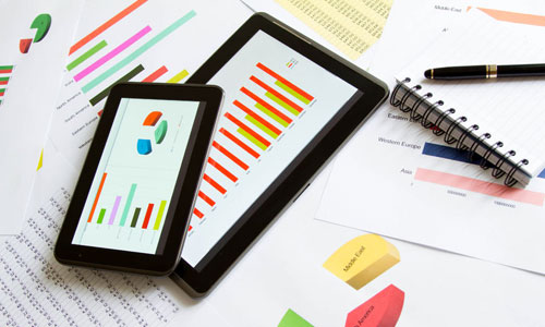 Tablet with graphs and note pad